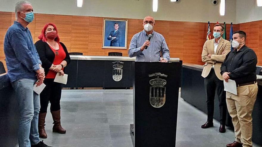El alcalde Jesús Villar pide consenso para subir el agua