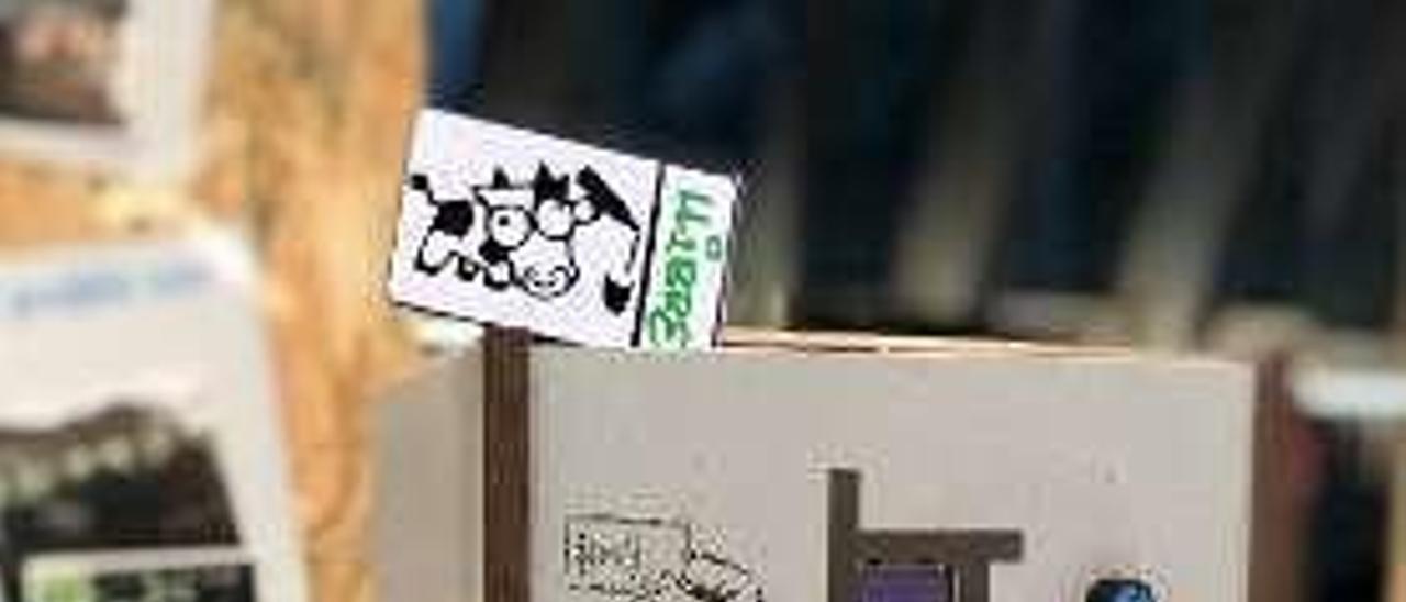 El escanciador inteligente con las tarjetas que permiten identificar al conductor.
