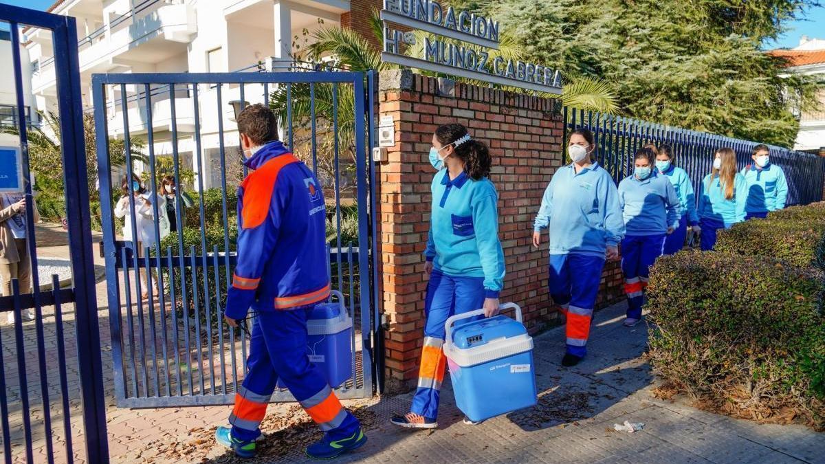 Los positivos de covid en residencias de Córdoba caen un 90% dos semanas después de la vacunación