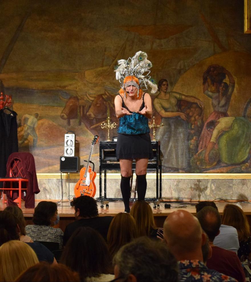 35 Feria de Teatro y Danza -  Confidencias de una vedette furibunda
