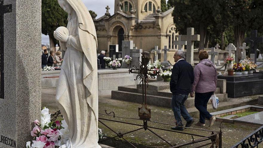 La figura del capellán del cementerio San Atilano de Zamora, fuera del personal municipal