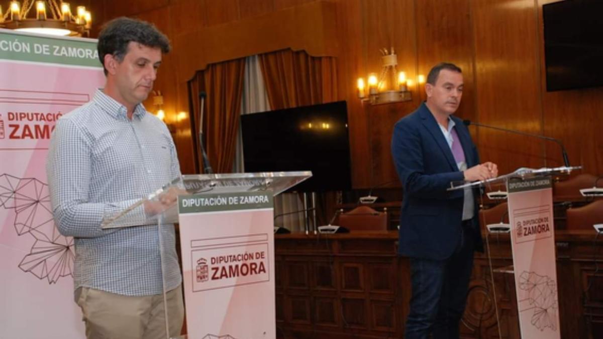 El diputado del área de Política Social, Silva, y el presidente de la institución, Requejo