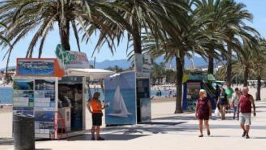 Capitania Marítima autoritza a Roses les boies i el trànsit marítim de l'estiu