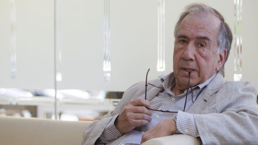 """Margarit, la """"dignidad hecha poesía"""", un Premio Cervantes que tendrá que esperar"""