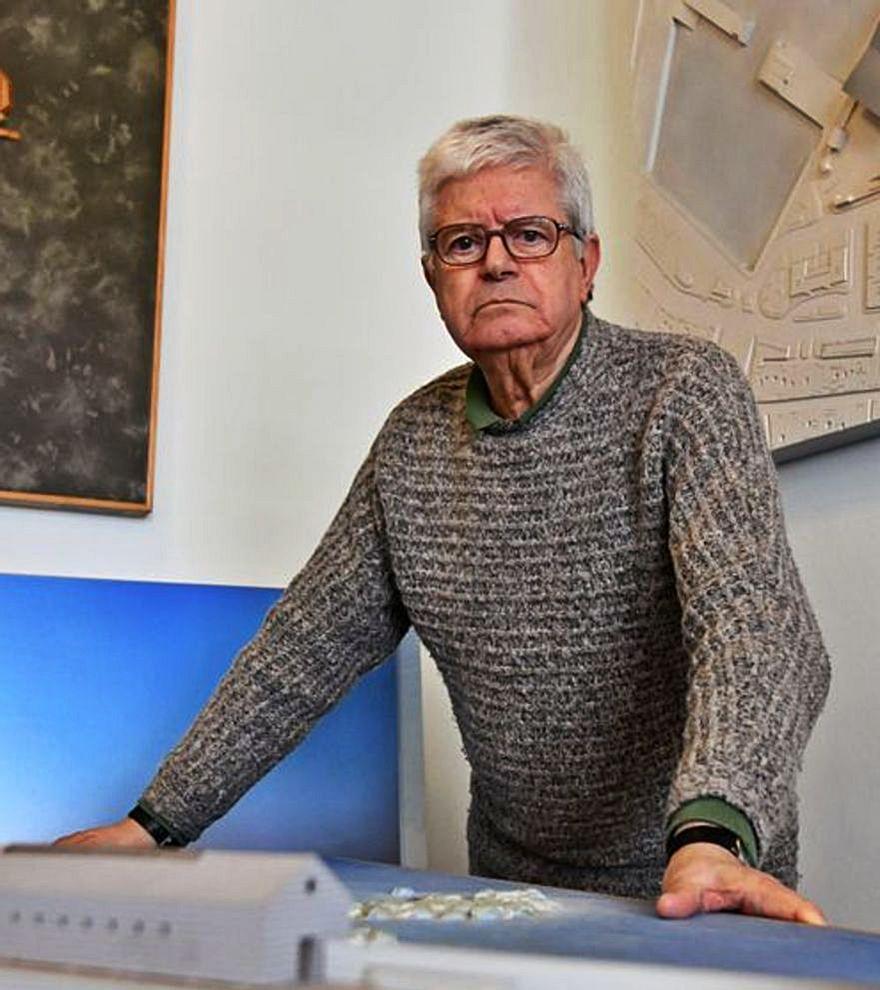 César Portela recibe el premio a la trayectoria del Colegio de Arquitectos de Galicia