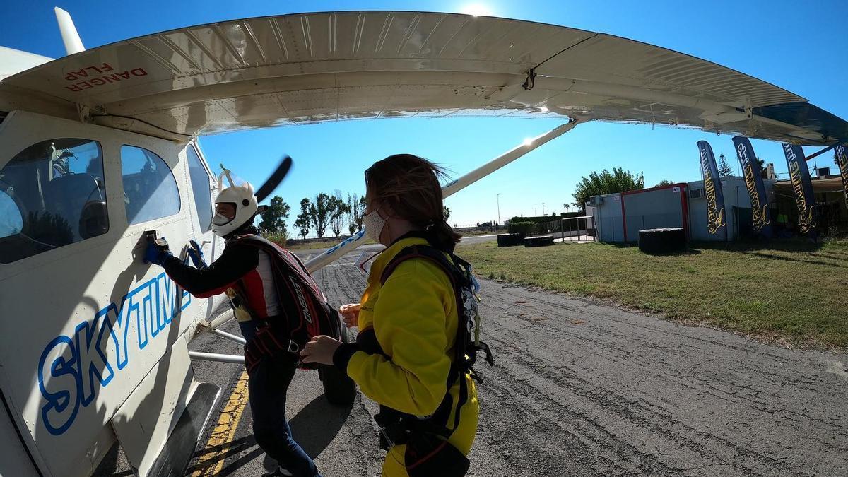 Maria José Catalá, del PP de València, salta en paracaídas