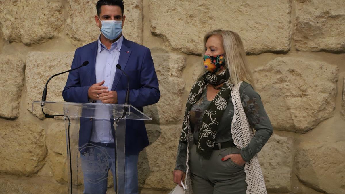 IU y Podemos piden el cierre de la barriada y del colegio de Santa Cruz por el coronavirus