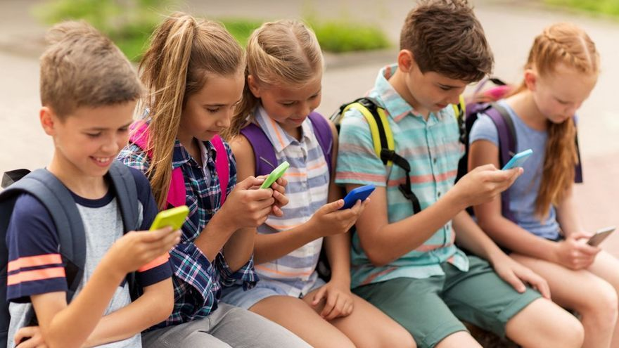 «Hay que evitar en los jóvenes el uso excesivo de aparatos electrónicos»