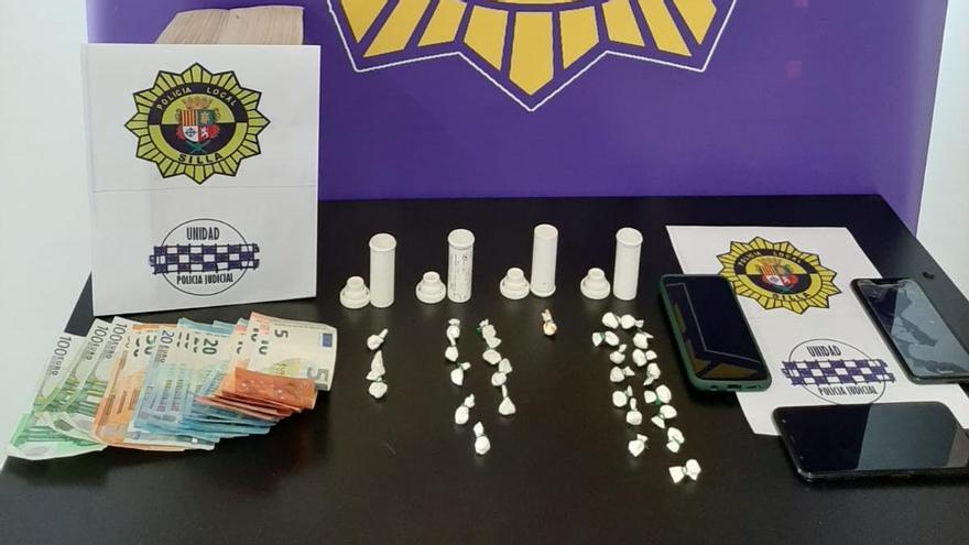 Detienen en Silla a un vecino con 28 dosis de cocaína en frascos de medicamentos