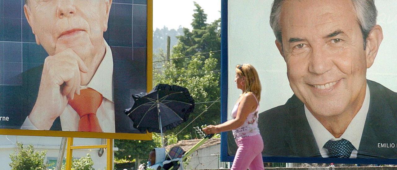 Carteles electorales en el año 2005. // Lavandeira Jr.