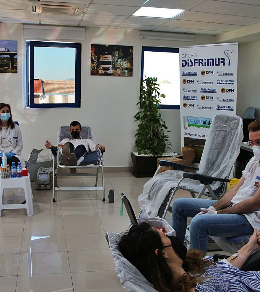 Grupo Disfrimur organiza una  campaña de donación de sangre