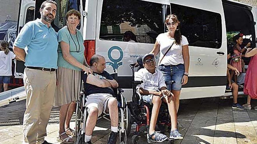 Furgoneta para personas con parálisis cerebral