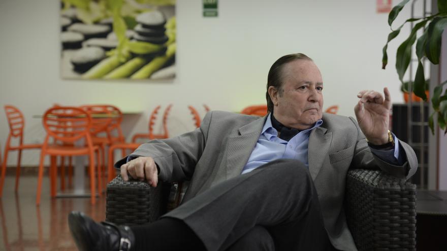 Muere de covid a los 77 años Justo Jorge Padrón, Premio Canarias de Literatura