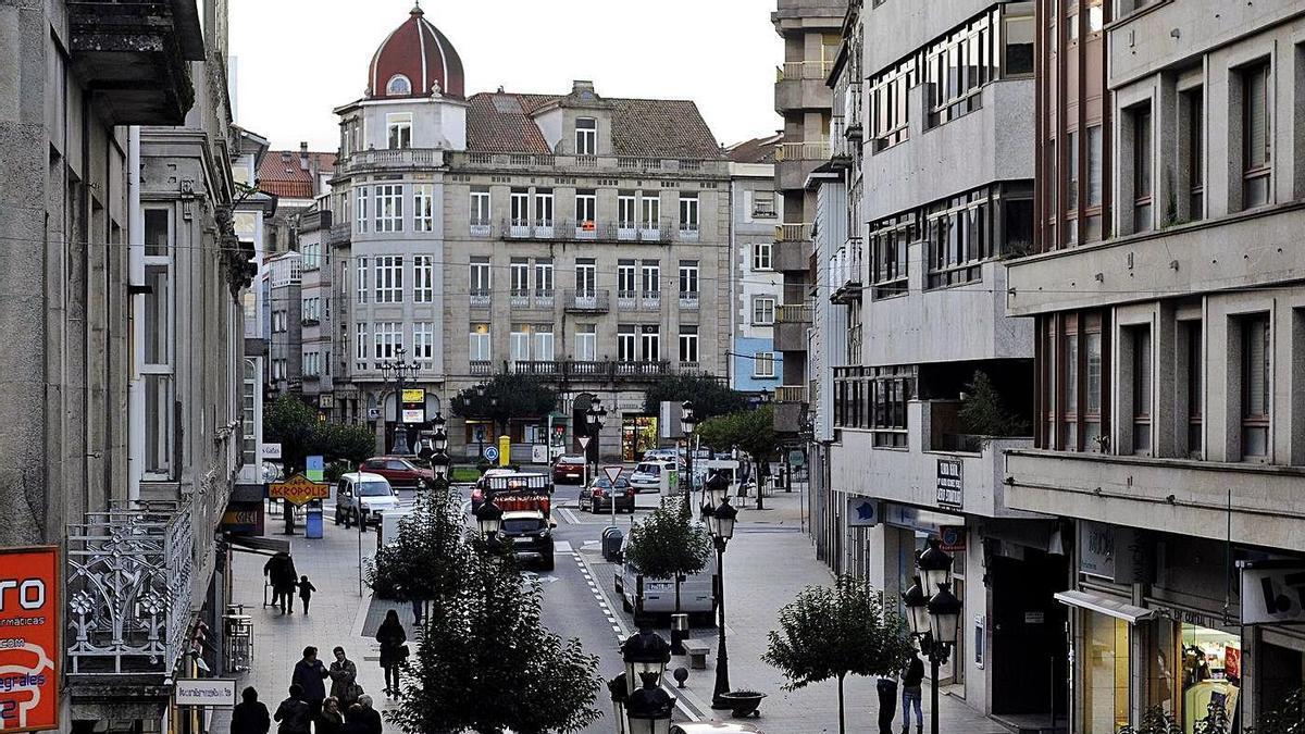 Vista de la calle Calvo Sotelo de A Estrada, que será peatonal en 2022 |   // BERNABÉ/JAVIER LALÍN