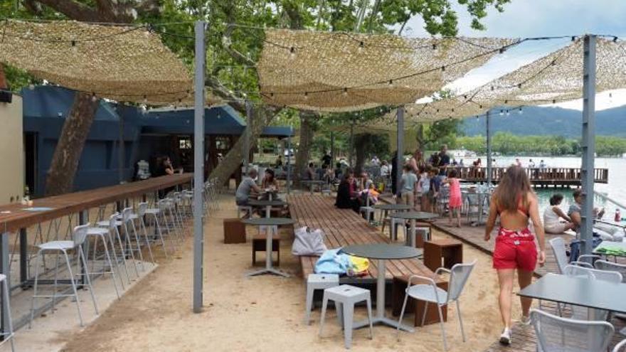 Els Banys Vells de l'estany  de Banyoles reobren després de 7 mesos tancats