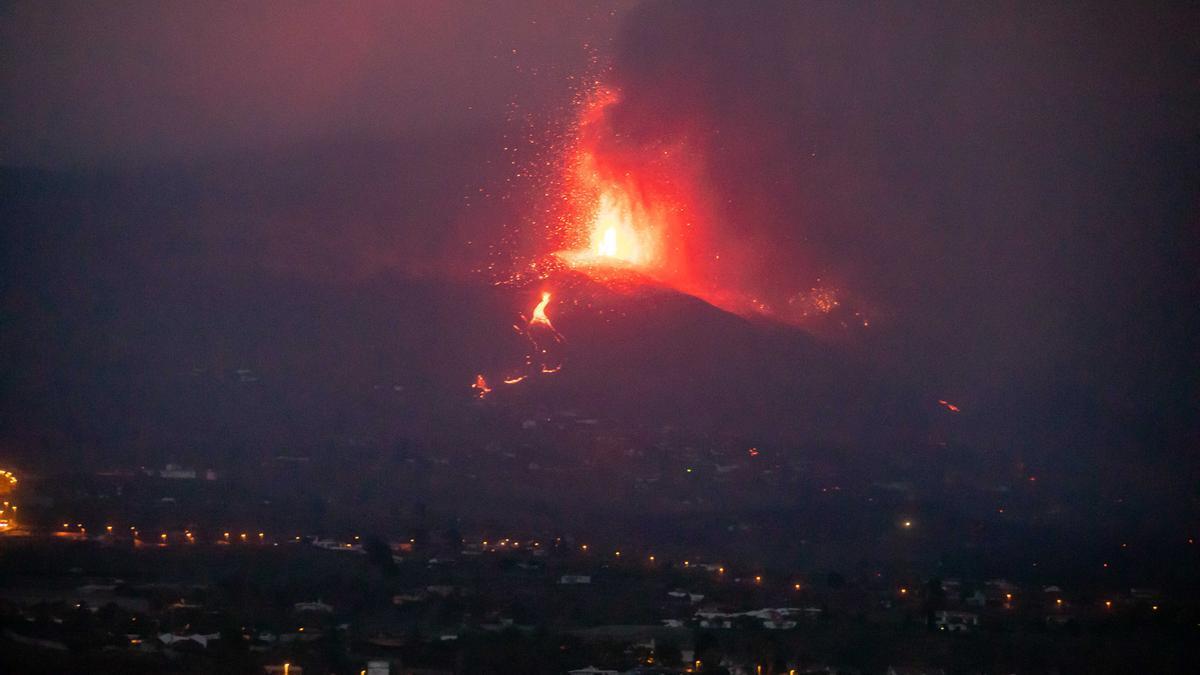 L'erupció del volcà  'Cumbre Vieja'  de l'illa de La Palma la matinada d'aquest 25 de setembre