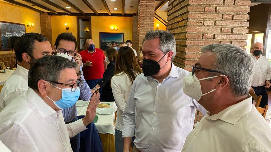 Juan Espadas hace campaña en Málaga