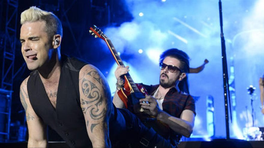 """Robbie Williams: """"Me volví un neurótico con las listas de ventas"""""""