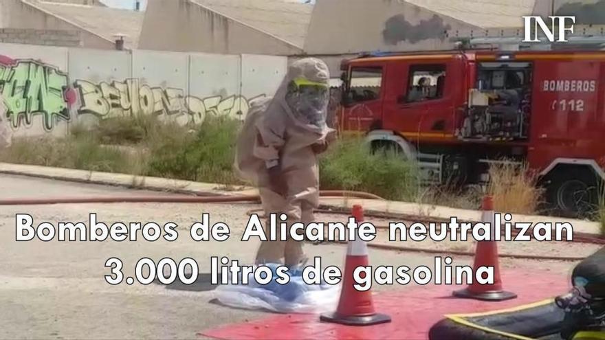 Bomberos de Alicante neutralizan 3.000 litros de gasolina en un simulacro de accidente