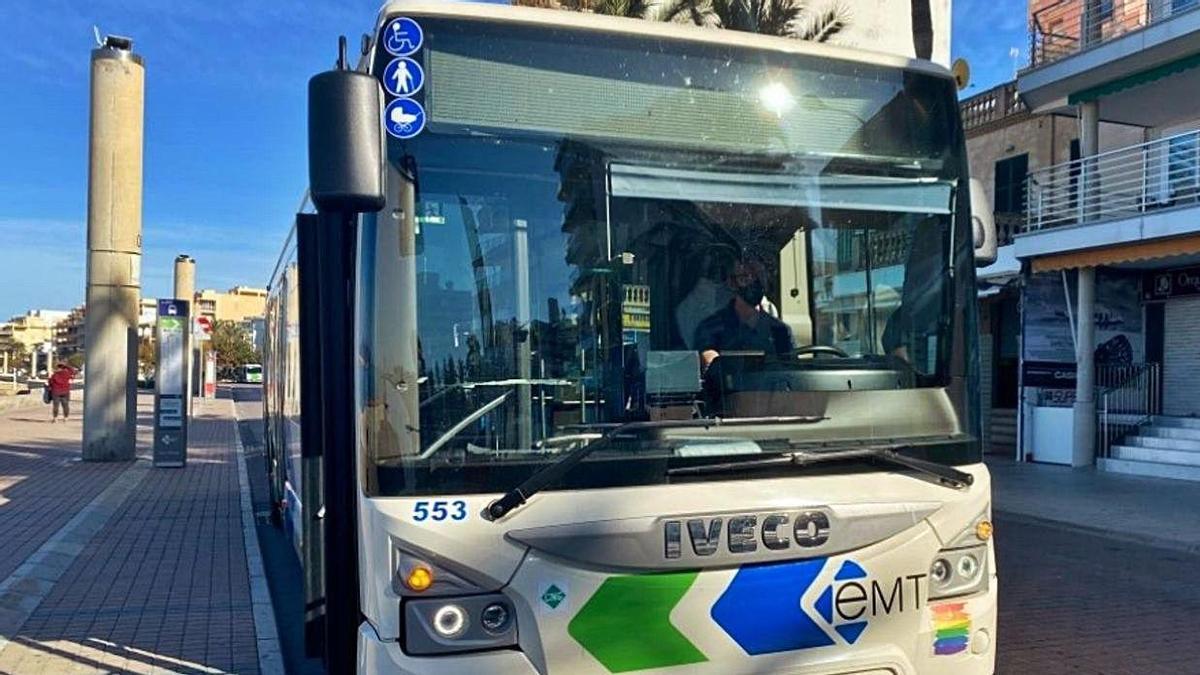 Imagen de arvivo de un autobús de la EMT.