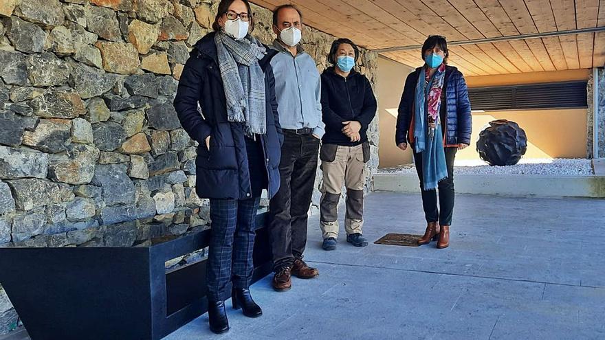 Tadanori Yamaguchi refuerza su presencia en Ribera de Arriba con una nueva obra