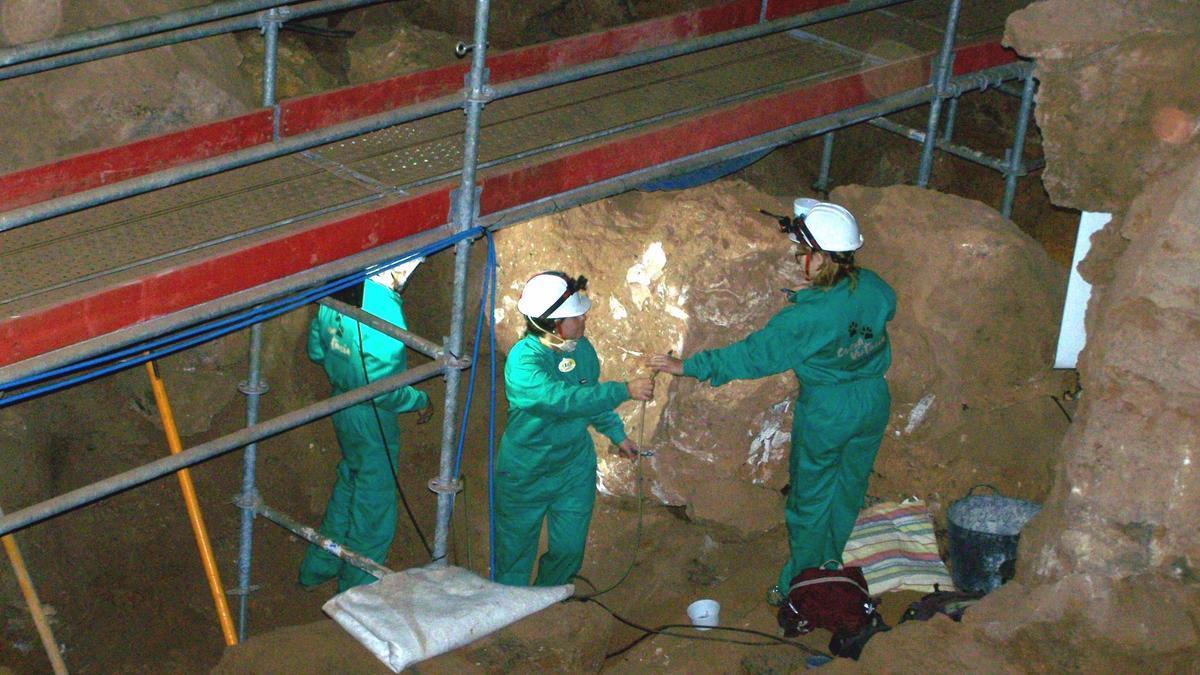 Los trabajos en la Cueva Victoria presentados por el MUPE
