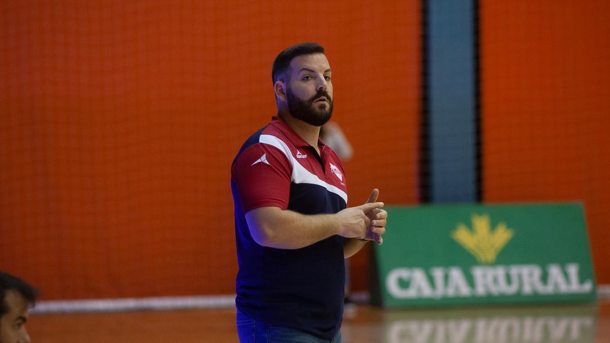 Iván López, entrenador del Zamora Enamora
