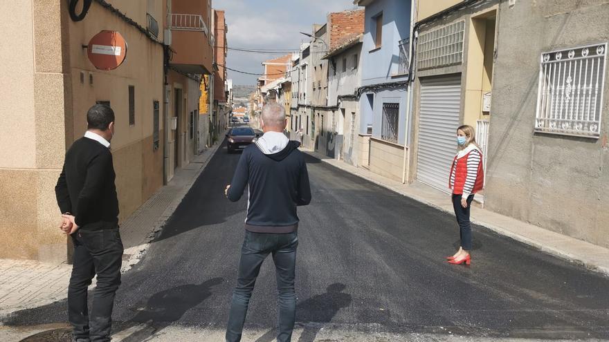 El Ayuntamiento  de Cehegín renueva el asfaltado de varias calles del municipio