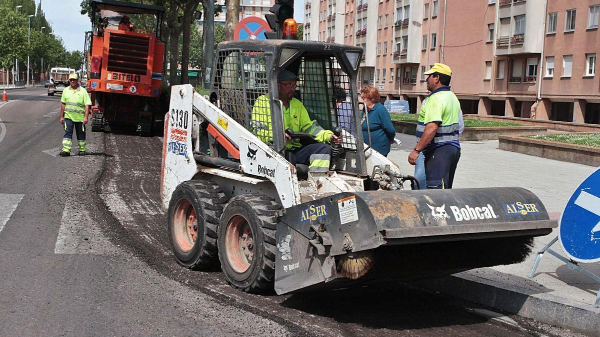 Obras de asfaltado ejecutadas en la capital zamorana.