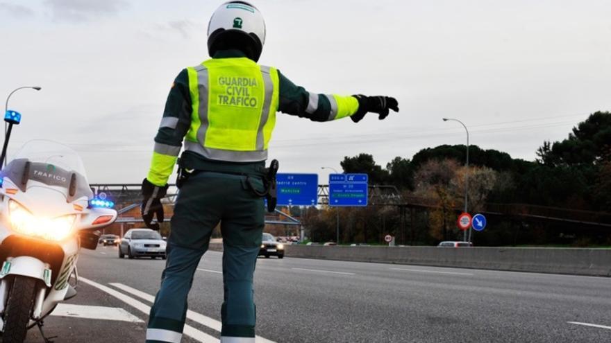 Muere un hombre en un accidente entre dos turismos en Estepona