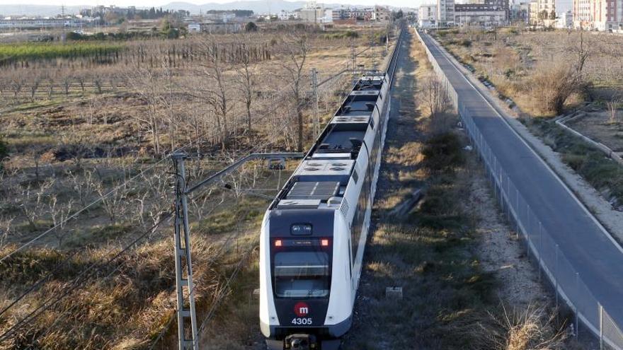 El Consell descarta ampliar el metro para conectar l'Alcúdia y Alzira