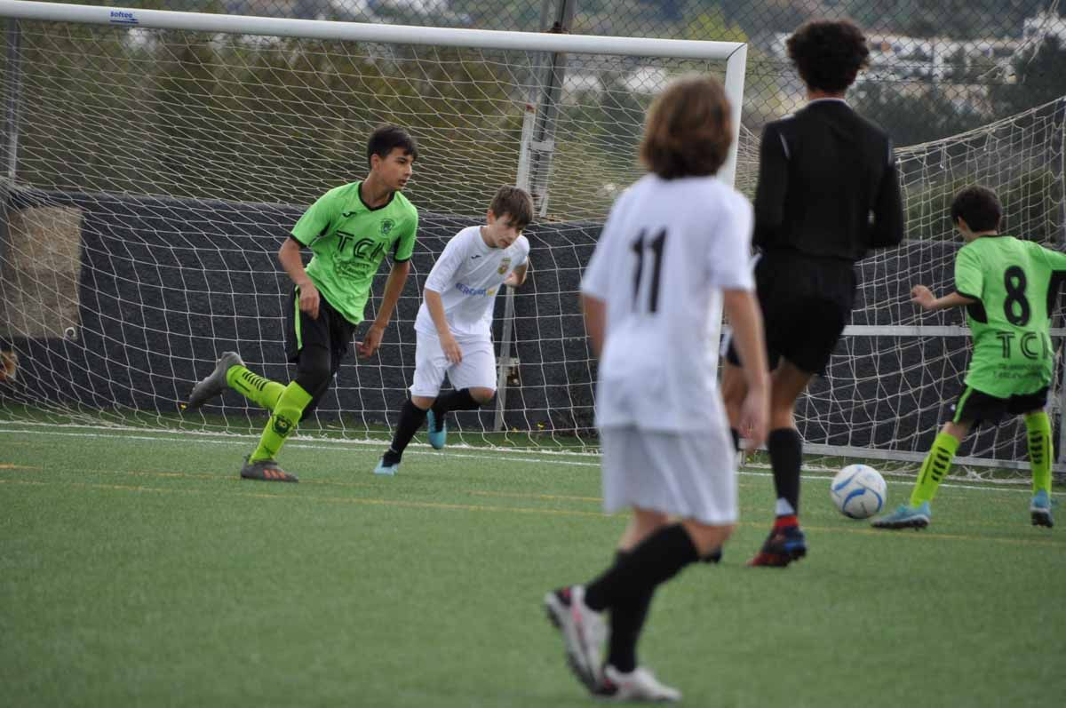 Imágenes de la jornada de fútbol base (17/18 abril)