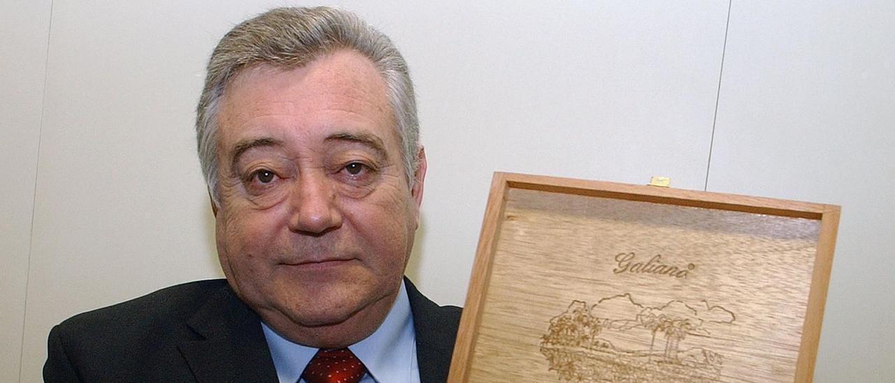 José Alfredo Díaz..