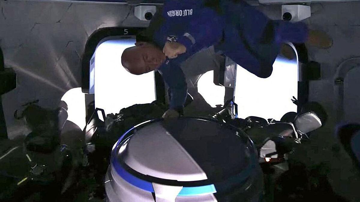 Jeff Bezos en su viaje espacial de julio.