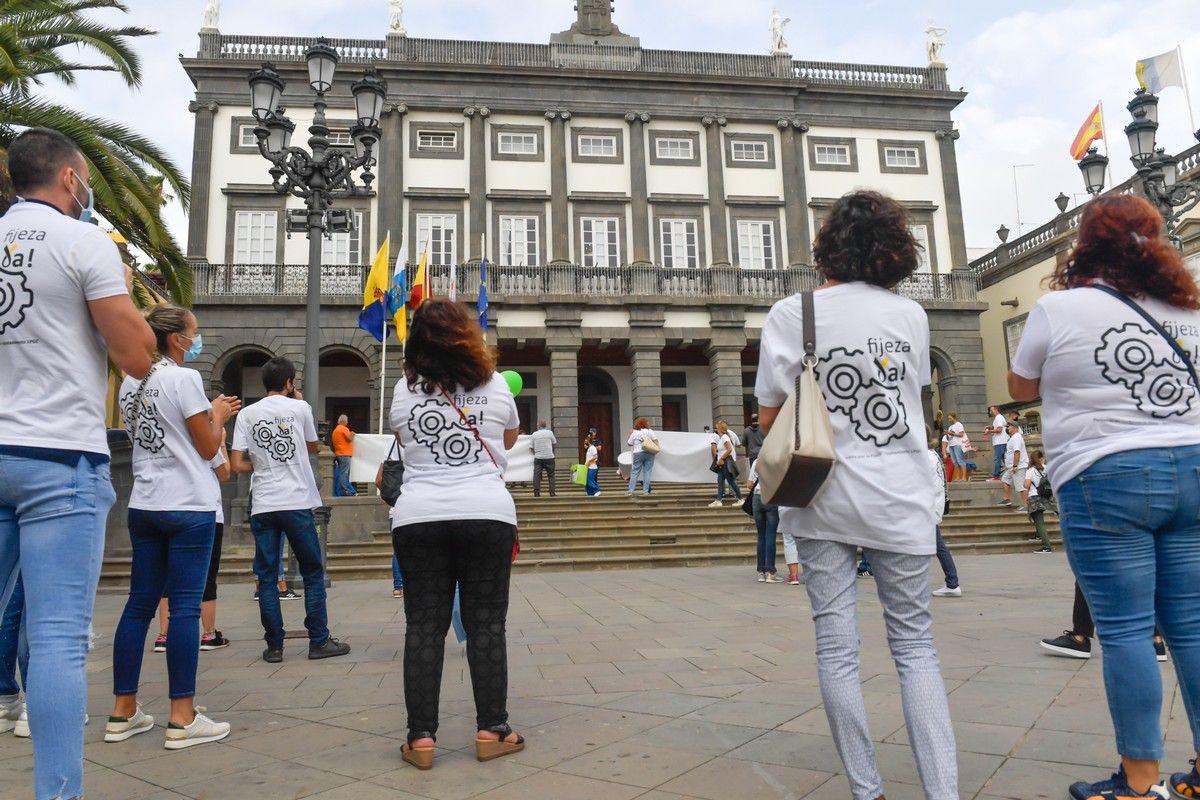Manifestación de empleados municipales para exigir que los hagan fijos
