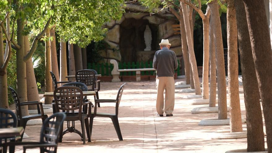 Residentes de los geriátricos se quejan de las restricciones de los grupos burbuja