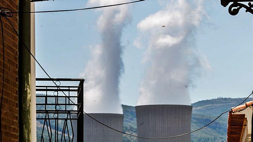 La nuclear de Cofrentes entra en pérdidas por el tirón de las renovables y los impuestos