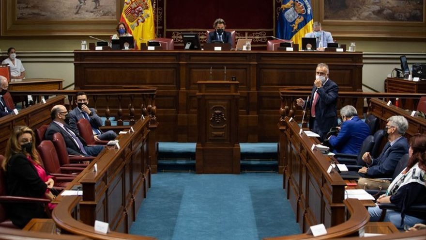El Parlamento regional rechaza oponerse a los indultos a los independentistas catalanes como pedía el PP