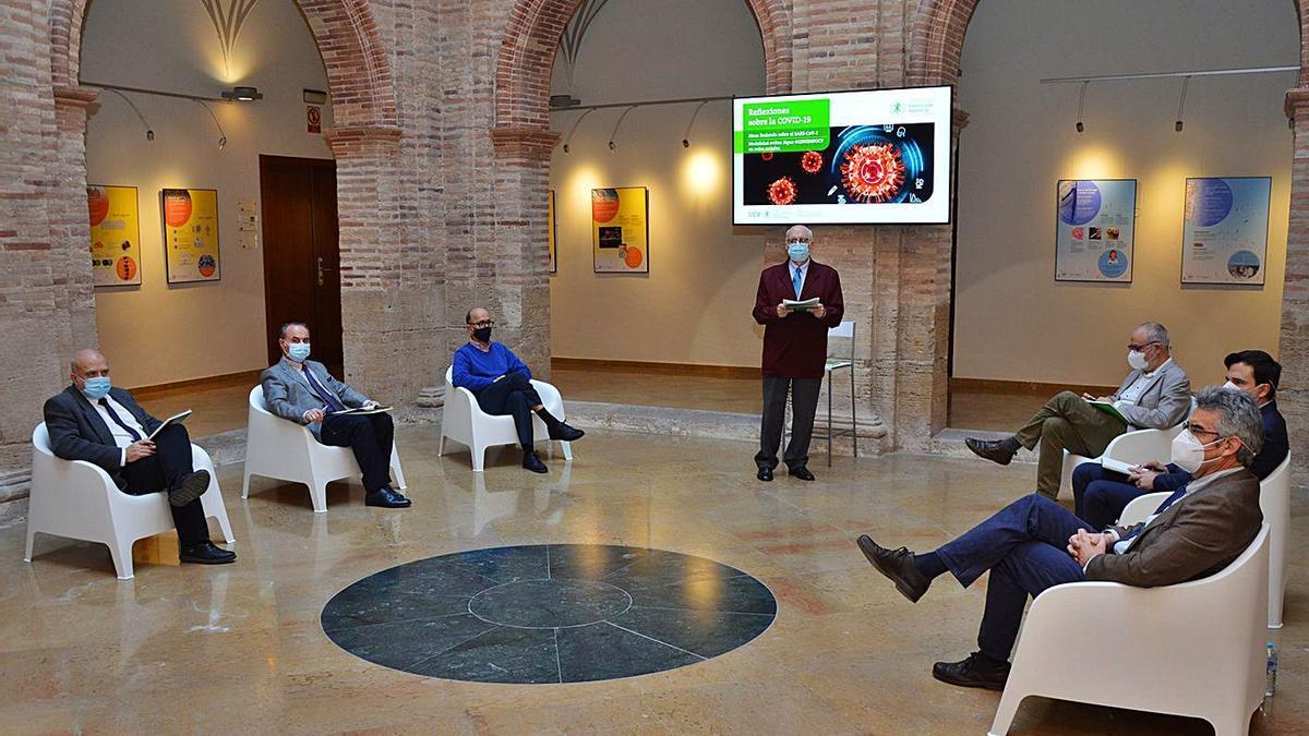 Mesa redonda valenciana sobre la situación actual de la pandemia por SARS-CoV-2. | LEVANTE-EMV