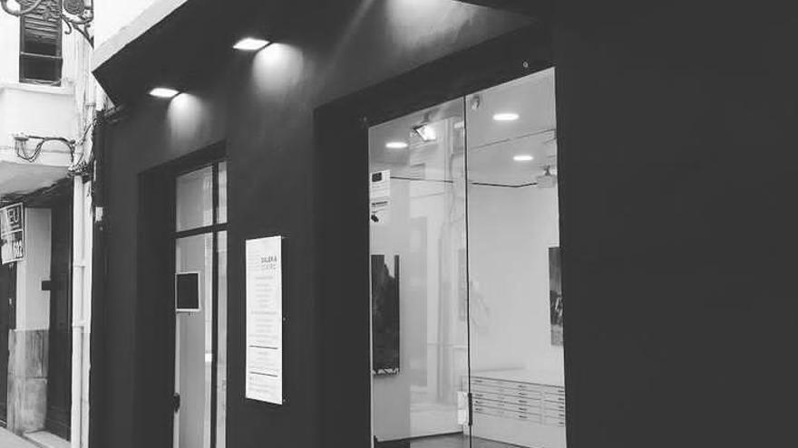 """Galería Cuatro celebra sus 40 años creando """"ambiente artístico"""" en València con la muestra 'Sinergias'"""