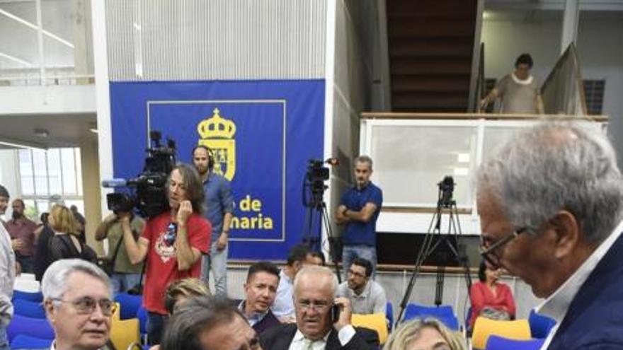 El Cabildo pide al Gobierno canario que frene el muelle de Agaete