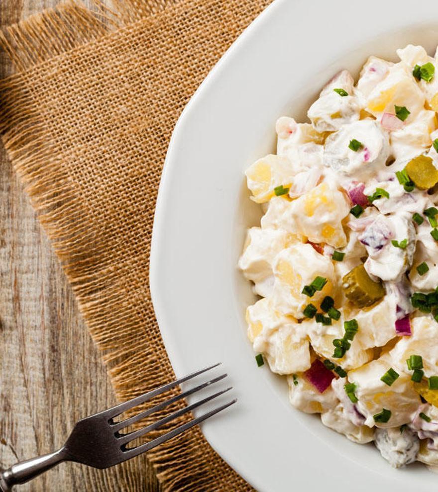 Cómo preparar la clásica ensalada alemana de patata