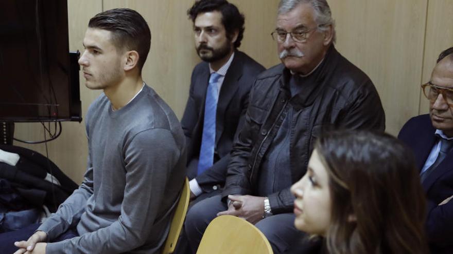 Lucas Hernández, detenido por romper la orden de alejamiento de su pareja