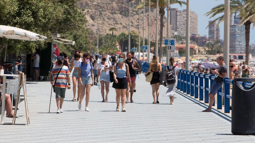 La Comunidad Valenciana arrancará la vacunación masiva de las personas de 30 a 39 años la próxima semana