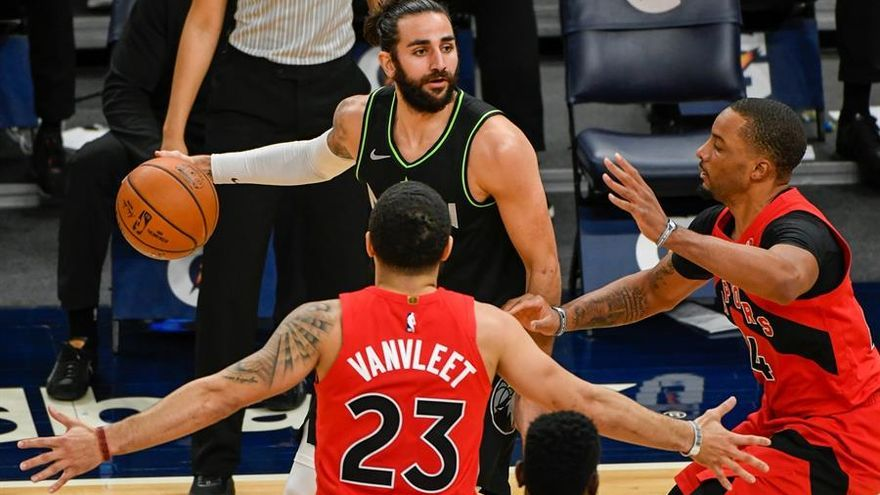 La mala defensa condena a los Wolves ante los Raptors