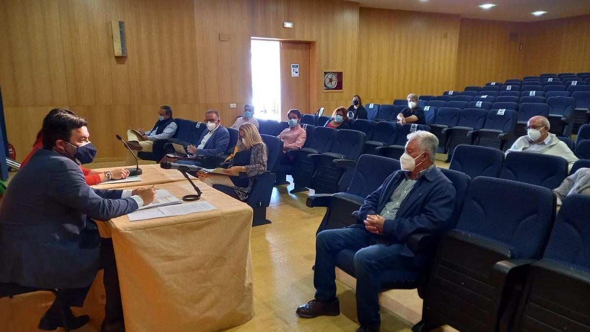 Los alcaldes de Los Pedroches conocen las ayudas contra el despoblamiento.