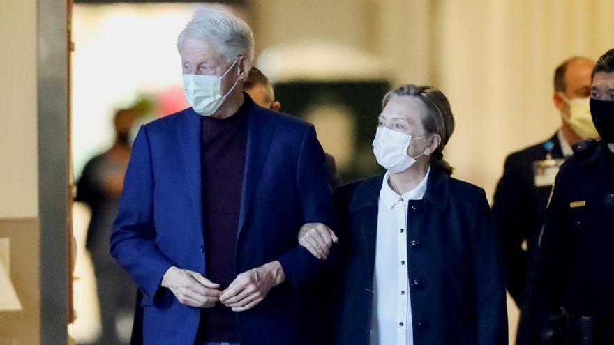 Clinton sale del hospital tras ser tratado de una infección urinaria
