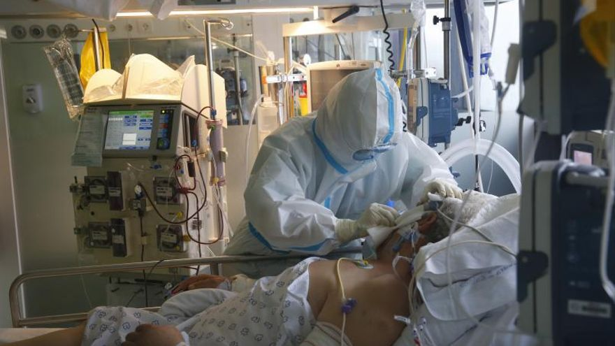La presión en UCI se desploma en el área: un único paciente crítico ingresado