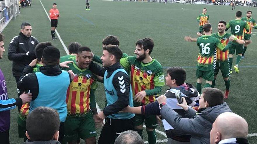 William y Javi Serra dan la victoria al CD Castellón ante el CD Almazora (0-2)