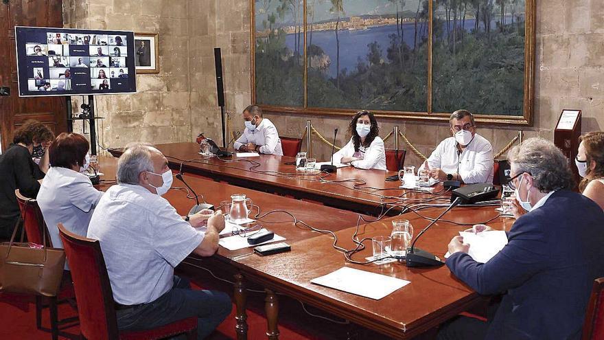 Ocho directores de centros educativos de Baleares han presentado la dimisión desde mayo